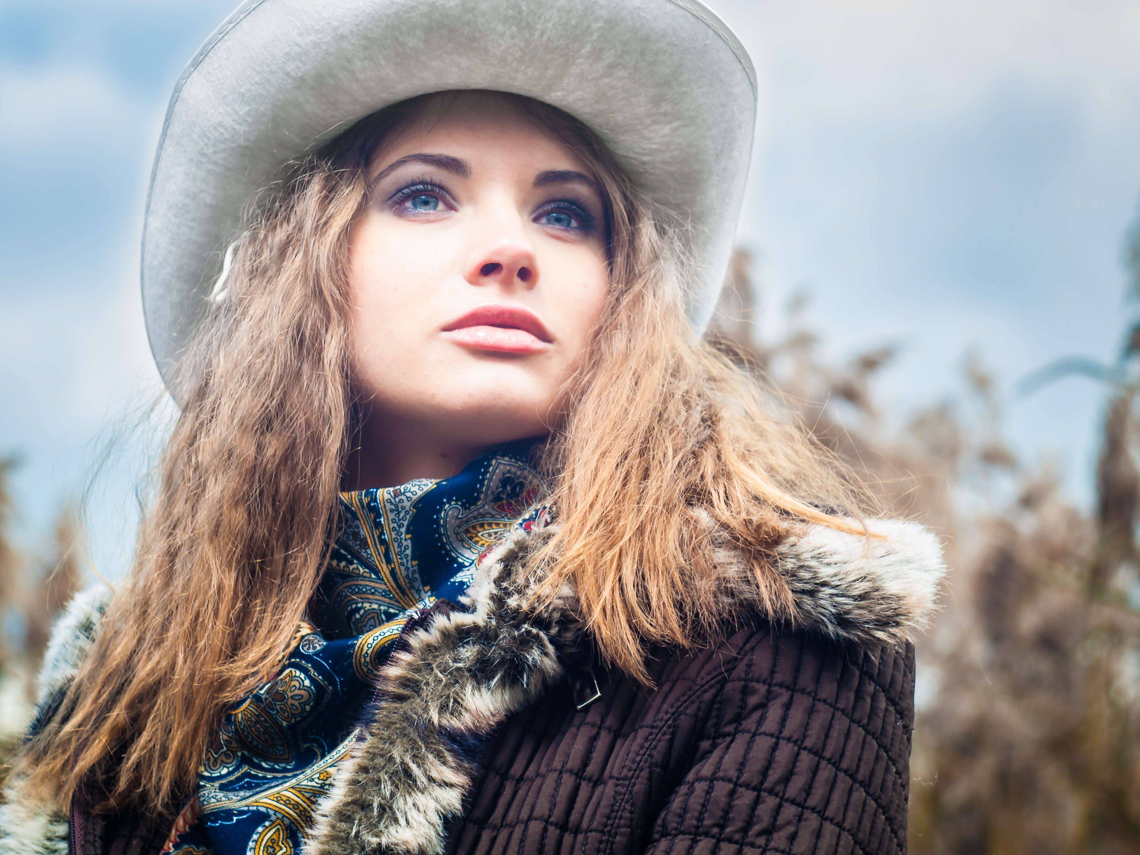 Commercial beauty photography of model headshot in hat in winter for ecommerce and online shops this pro photo made by Fantastic Imago Branding, Advertising and Consulting Agency